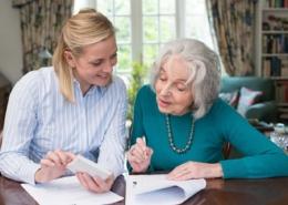 Betreuung von Senioren Demenzbetreuung Hilfe im Alltag